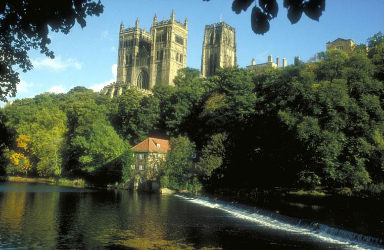 La Catedral de Durham sobre el r�o Wear