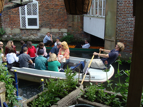 Dos opciones para recorrer Canterbury en barca