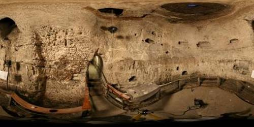 Cueva Royston
